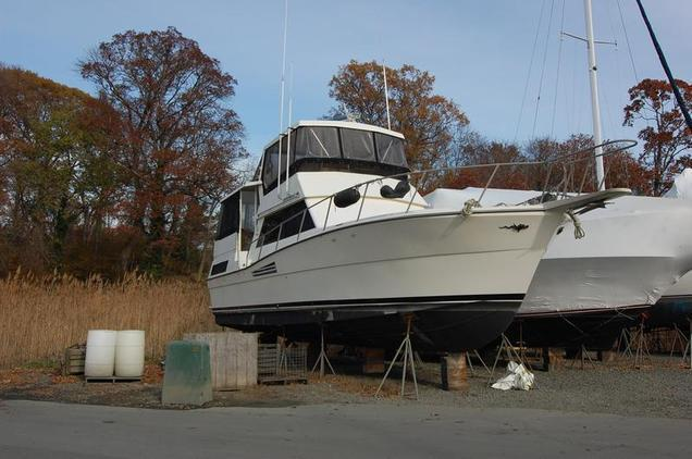 Viking - Yachts 44 Motor Yacht
