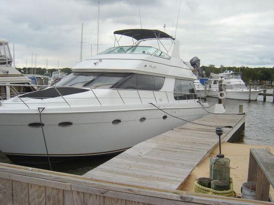 Voyager - Carver Pilothouse