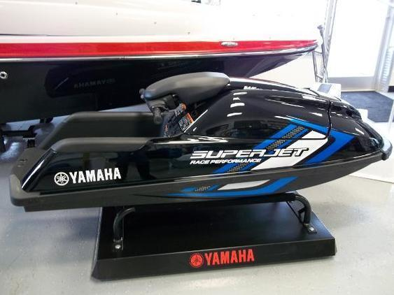 Yamaha WaveRunner - Super Jet