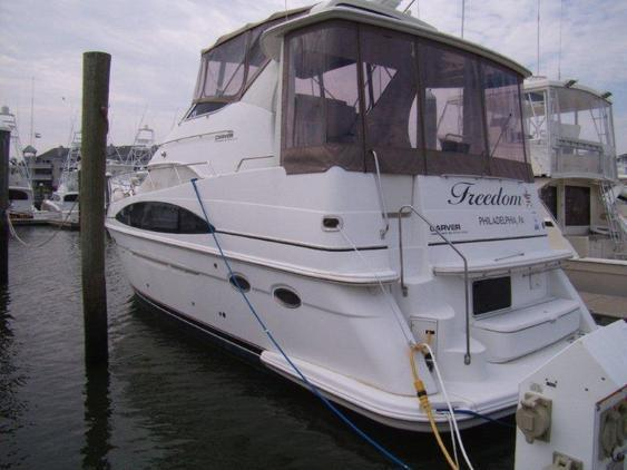 Carver - 396 Motor Yacht