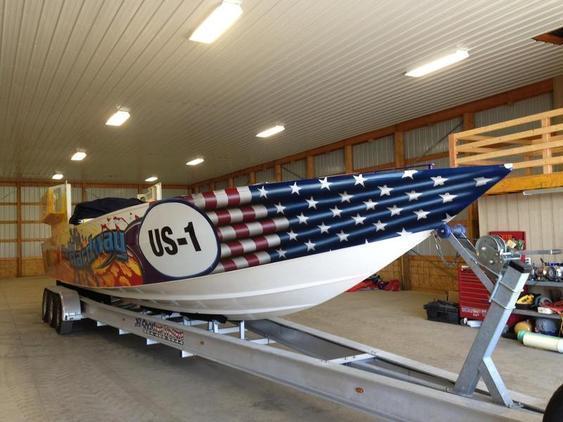 Cigarette - Racing Race Boat