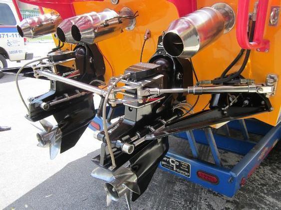 Cigarette Racing - Tiger 42