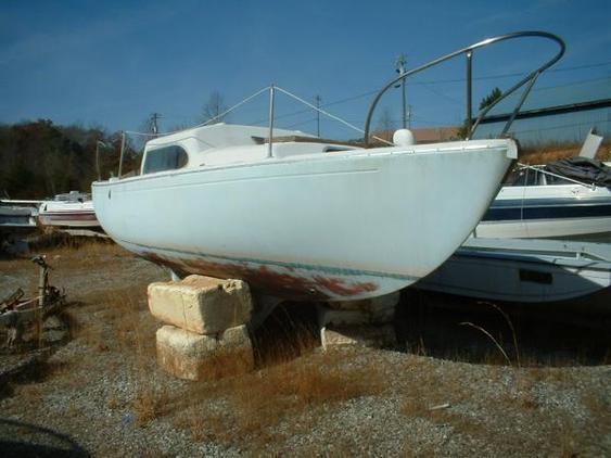 Columbia Boats - Project Sailboat