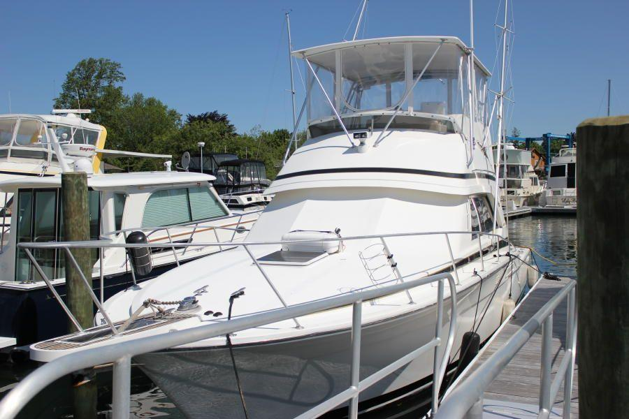 Bertram 37 Convertible, Greenport