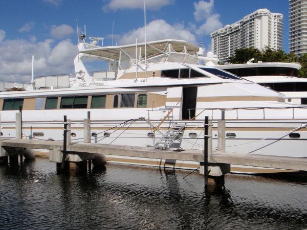 Azimut Motor Yacht, Miami