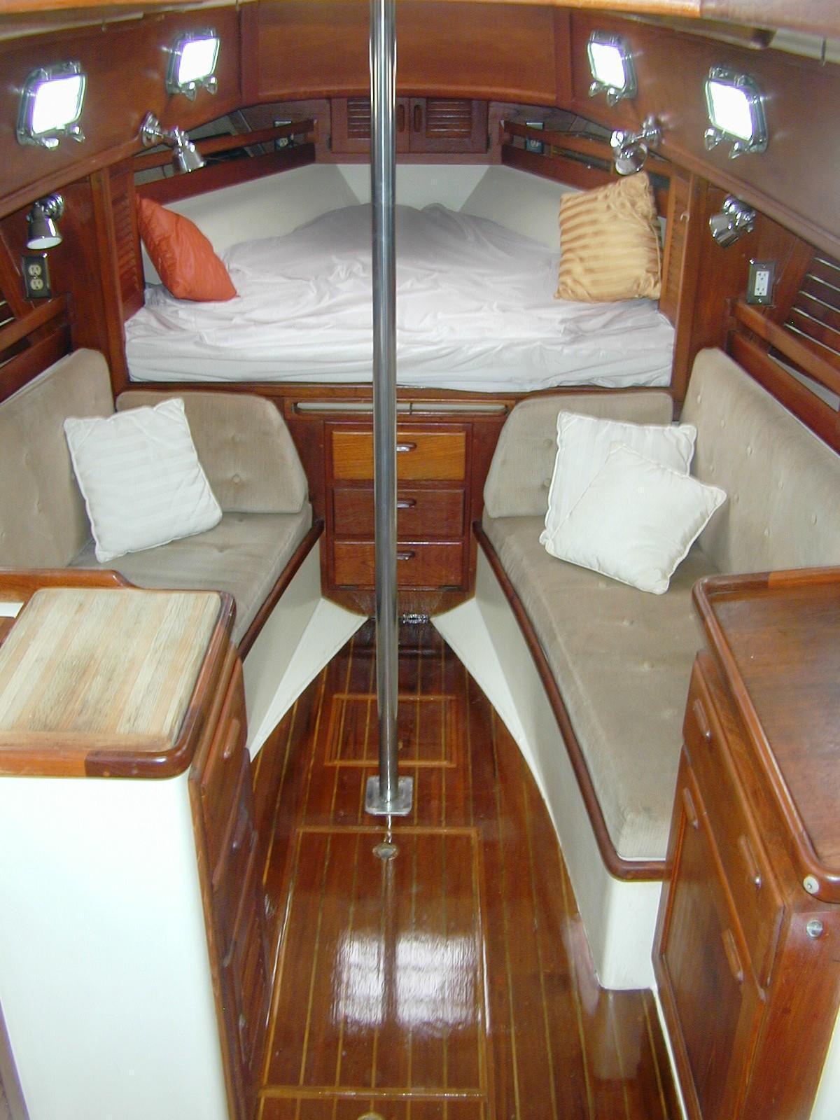 Pacific Seacraft - - Crealock design, Annapolis