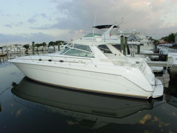 Sea Ray 500 Sundancer, Shady Side