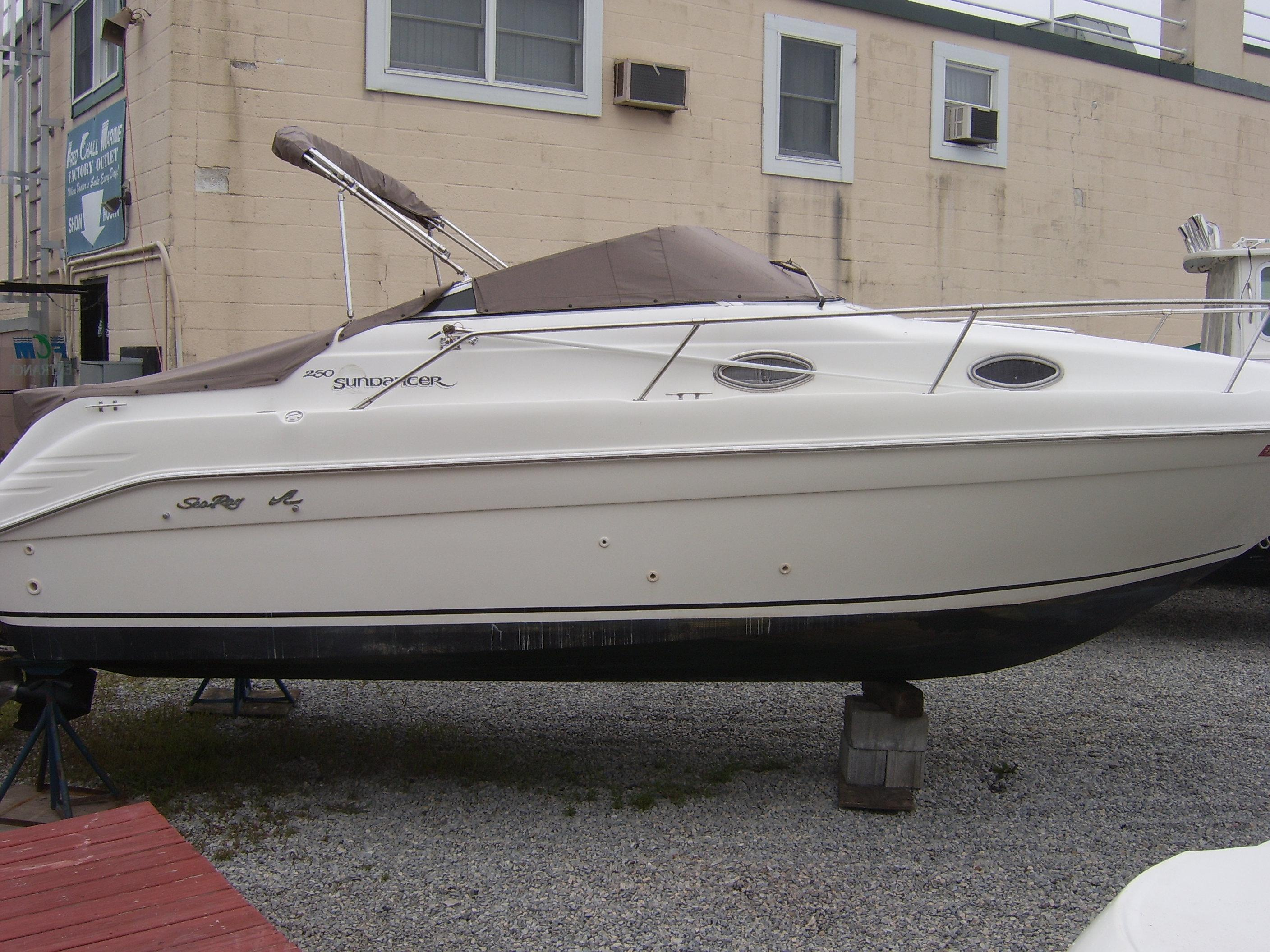 Sea Ray 250 Sundancer Horizon engine, Freeport