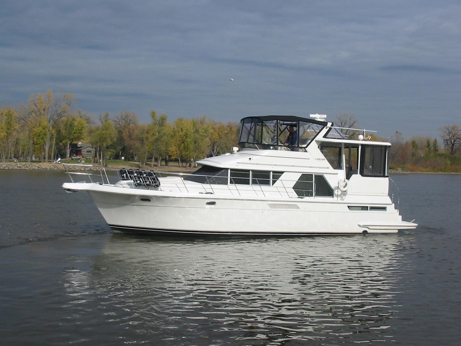 Carver 445 aft cabin motor yacht brick7 boats for Carver aft cabin motor yacht