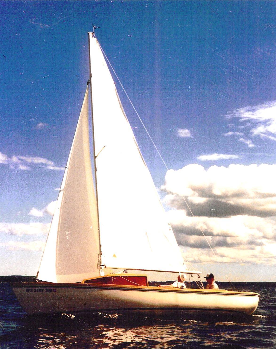 Custom- Built Sakonnet 23, Sturgeon Bay