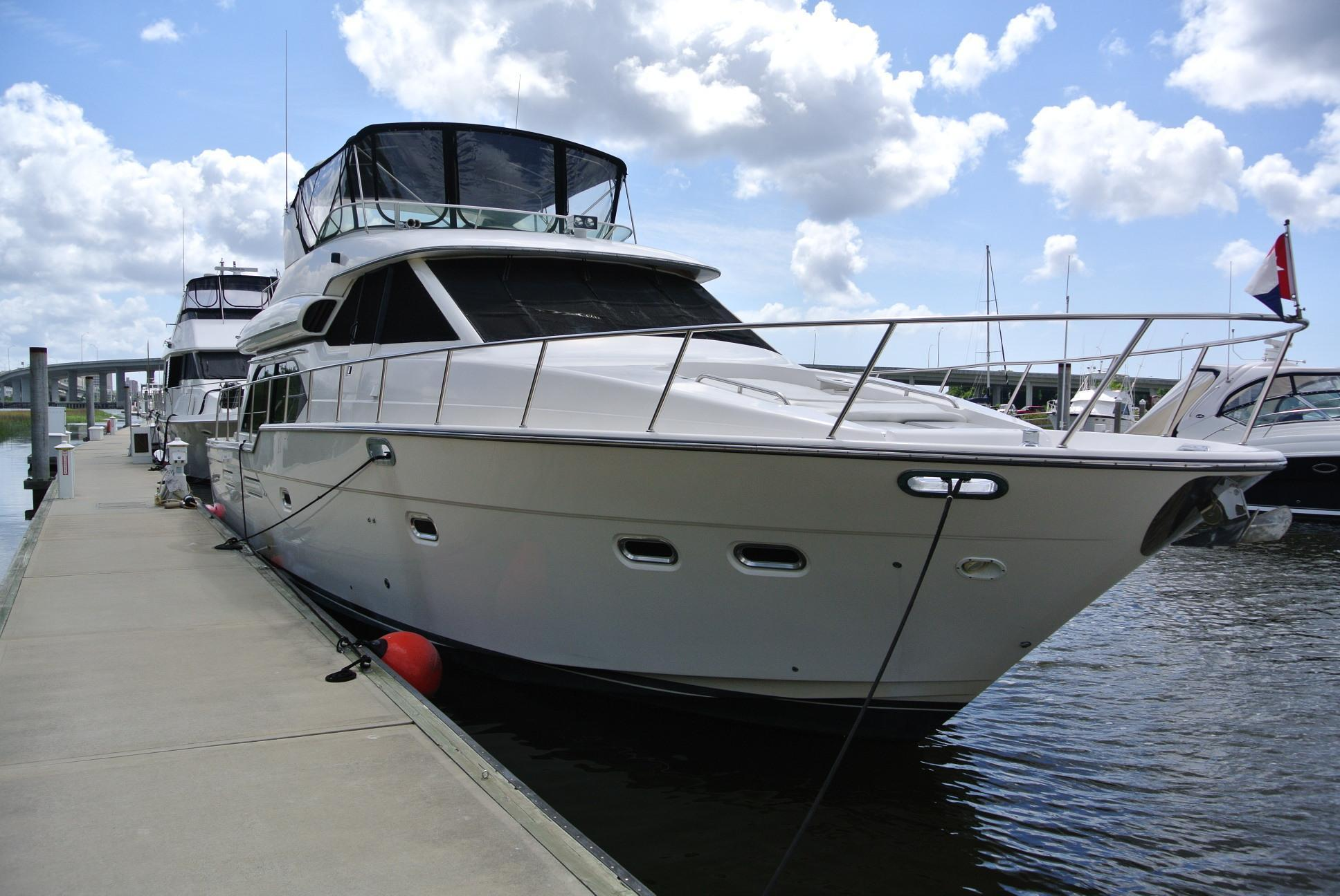 Bayliner 5788 Pilot House Motoryacht, Charleston