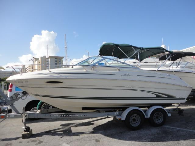 Sea Ray 215 Express Cruiser, Pompano Beach