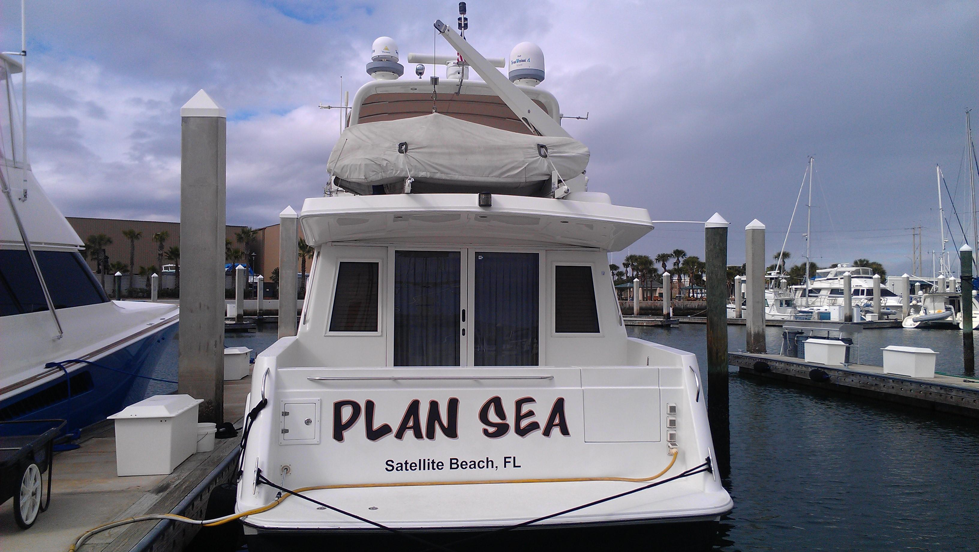 Navigator Classic 48 Pilothouse, Port Canaveral