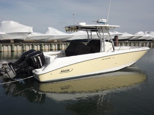 Boston Whaler 320 Outrage - Brick7 Boats
