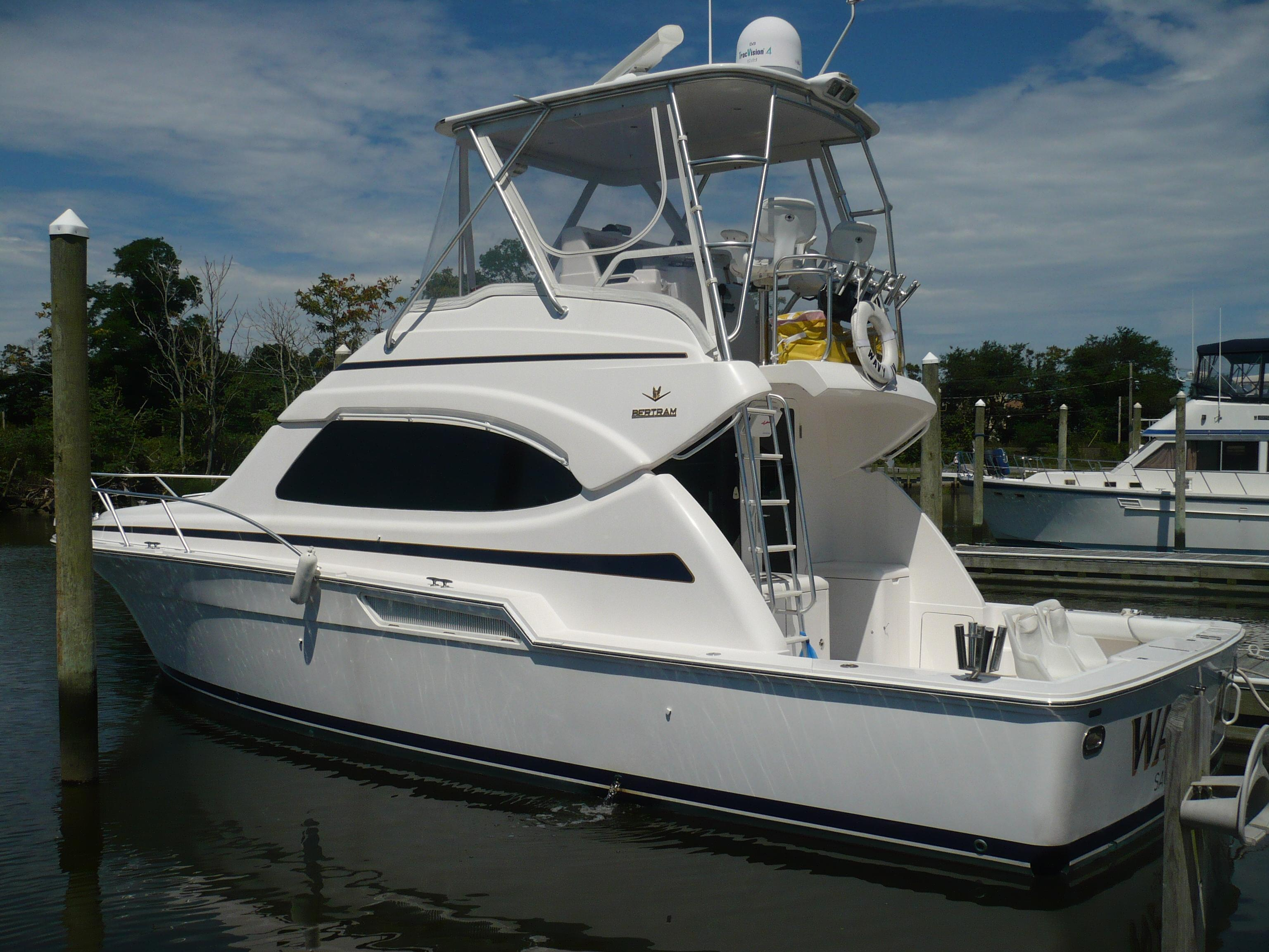 Bertram 390 Convertible, Aquebogue