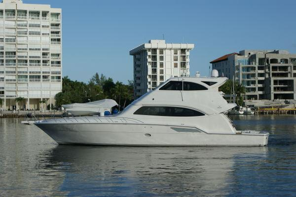 Bertram 670EB, Miami