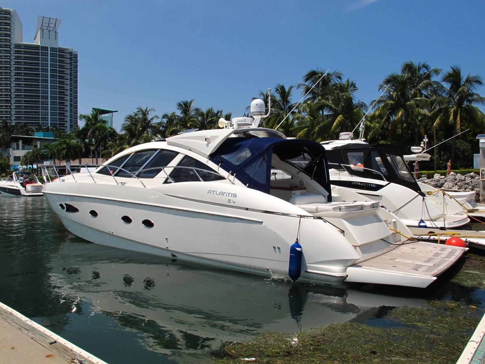 Atlantis Azimut 55', Miami Beach