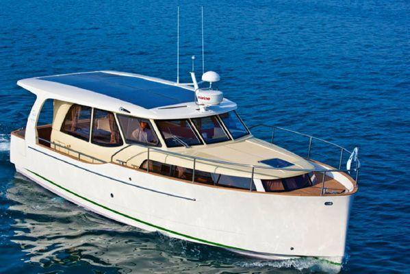 Greenline 33 Hybrid, Marina del Rey