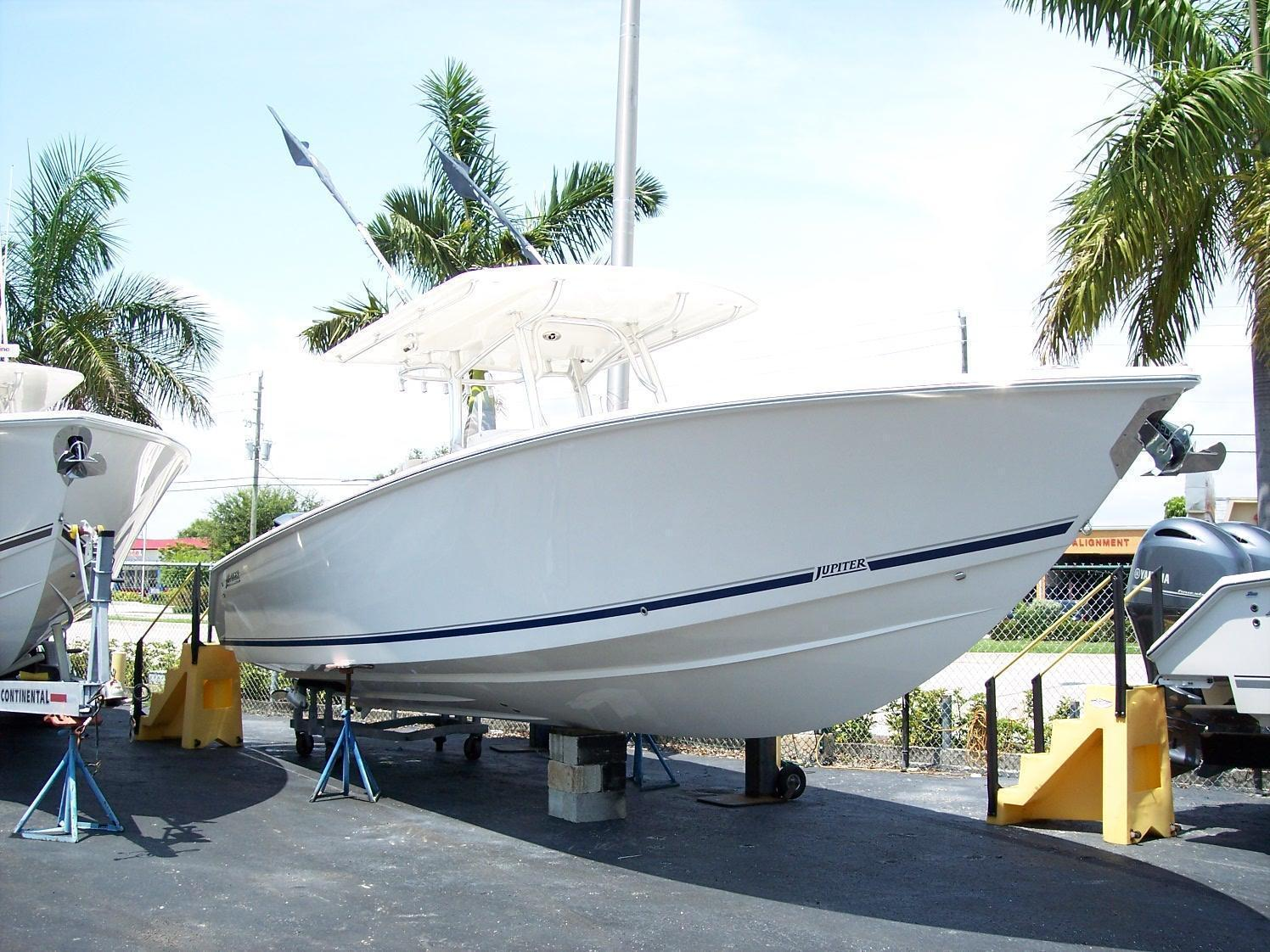 Jupiter 34 FS Hybrid, Lighthouse Point