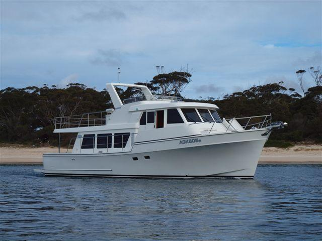 Symbol LR Classic Pilothouse/Bulbous Bow, New const-choice of options