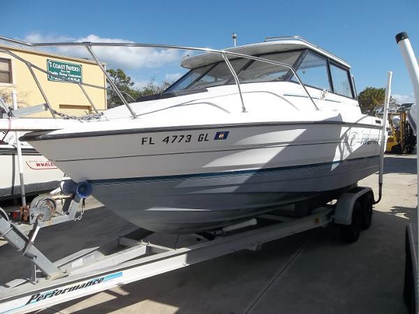 Bayliner 2159 Trophy - Brick7 Boats