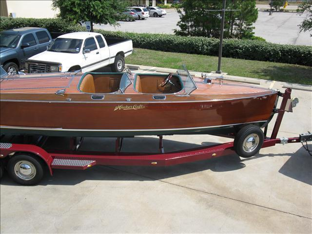 1992 Hacker Craft 26 Triple Cockpit Runabout