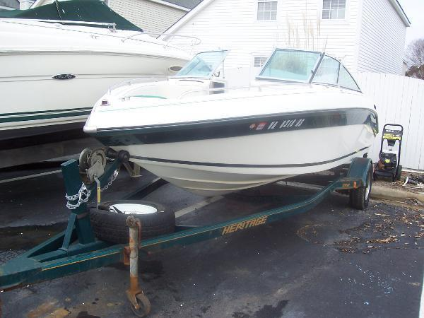 Celebrity 220 BR 1993 for sale for $3,000 - Boats-from-USA.com