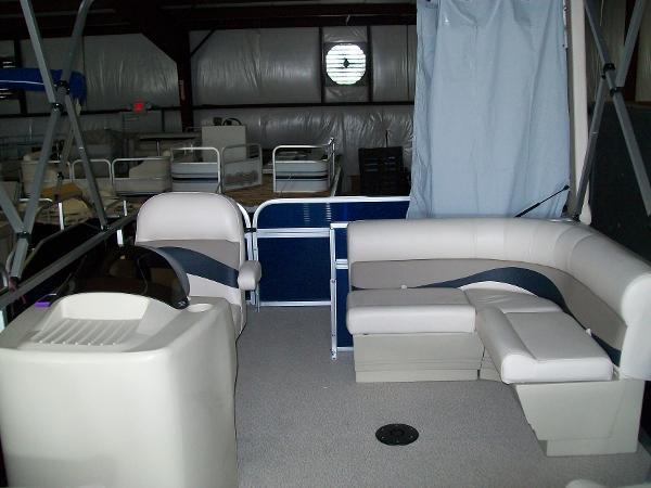 2014 Pleasure Island 19 Cruise Sundeck