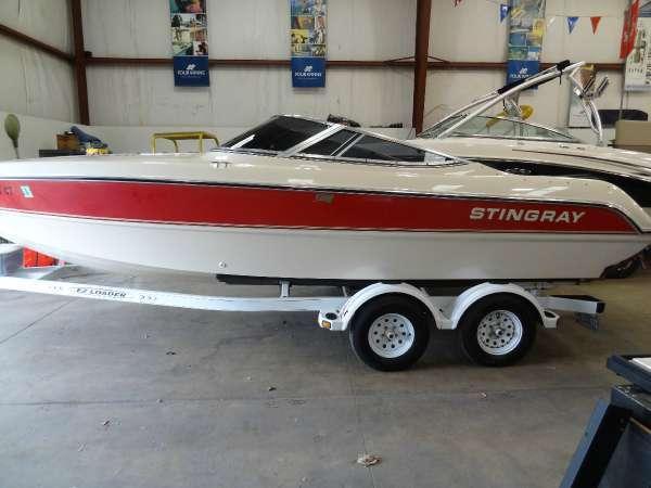 Stingray 220 sx high performance brick7 boats for Austin boats motors lakeway tx