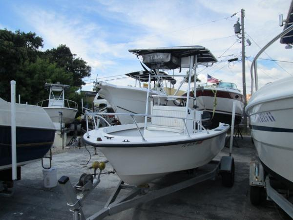 1998 Dusky 17' CENTER CONSOLE