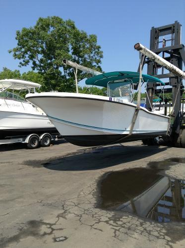 1998 Dusky 23 center console