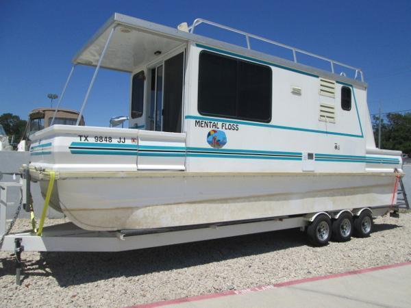 2000 Catamaran Cruisers Lil Hobo