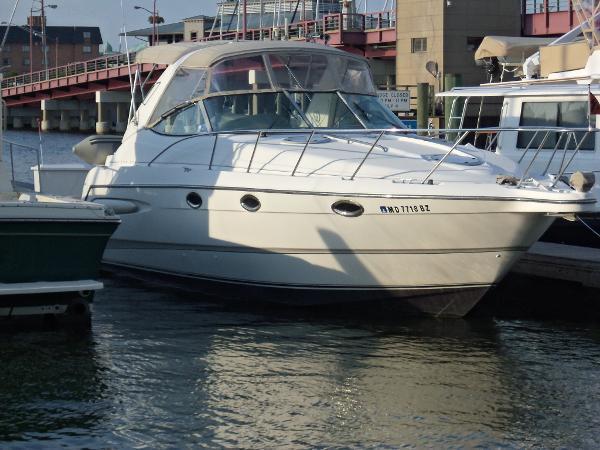 2000 Maxum 3300 Express Cruiser