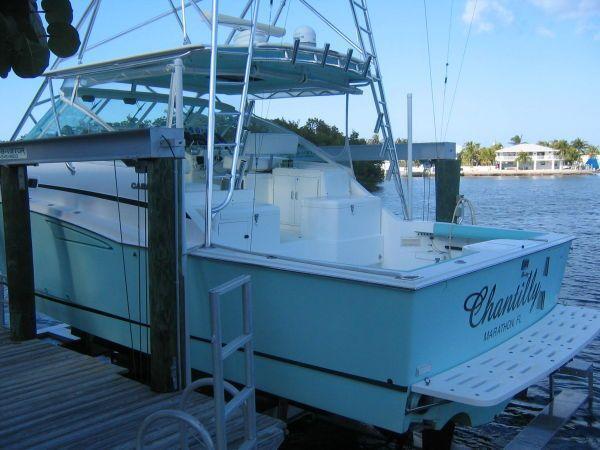 2001 Cabo Yachts 35 Express