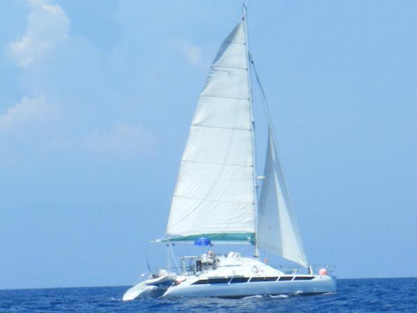 2001 Custom Catamaran(Kurt Hughes) 460