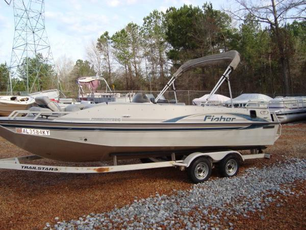 2001 Fisher 2210 Freedom