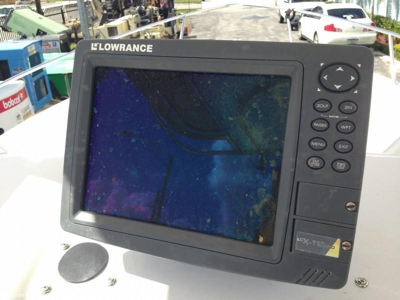 2003 Pro-Line 22 Center Console