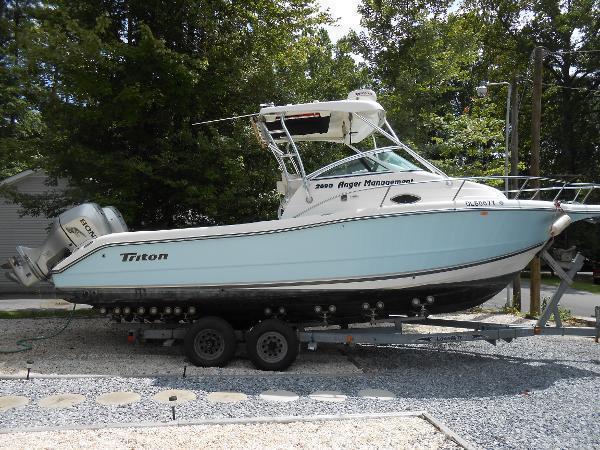 2003 Triton 2690 WA with trailer