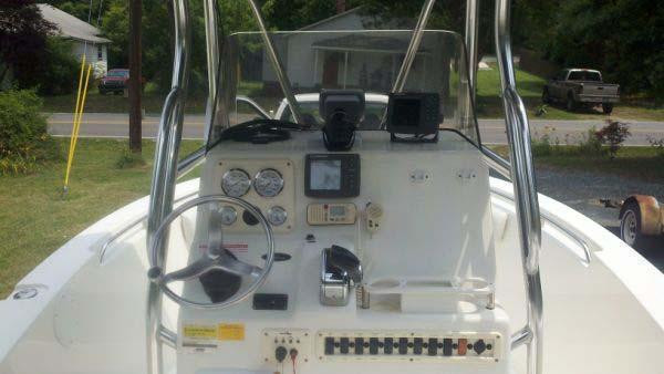 2007 NAUTIC STAR 2000