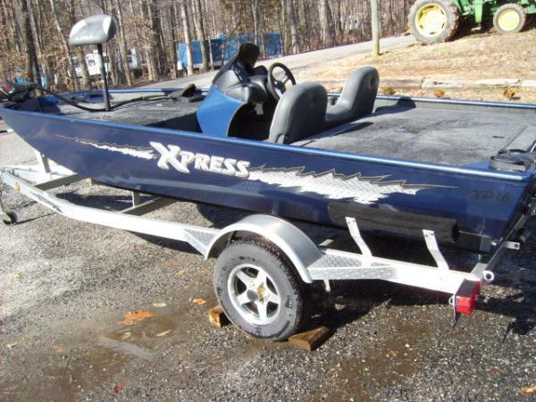 Xpress Xp - Brick7 Boats