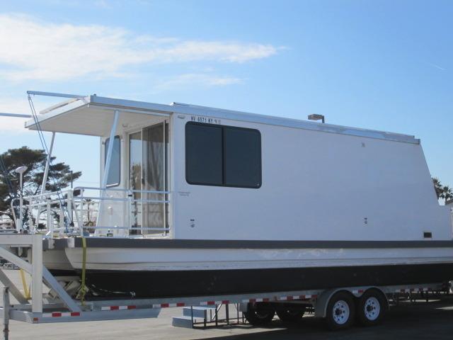 2010 Catamaran Cruisers Trailerable 34