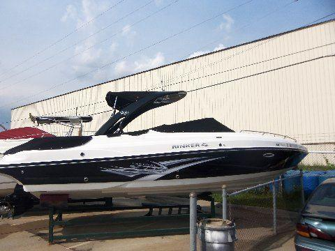 2011 Rinker 276 Captiva Cuddy