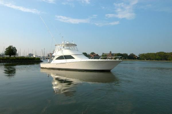 2011 Viking Yachts Convertible