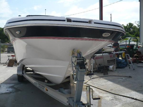 2014 Hurricane Deck Boat SD 2690 OB